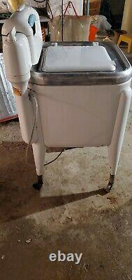 VINTAGE 1960s/70s MAYTAG WRINGER WASHING MACHINE, E2LS Very Good Condition